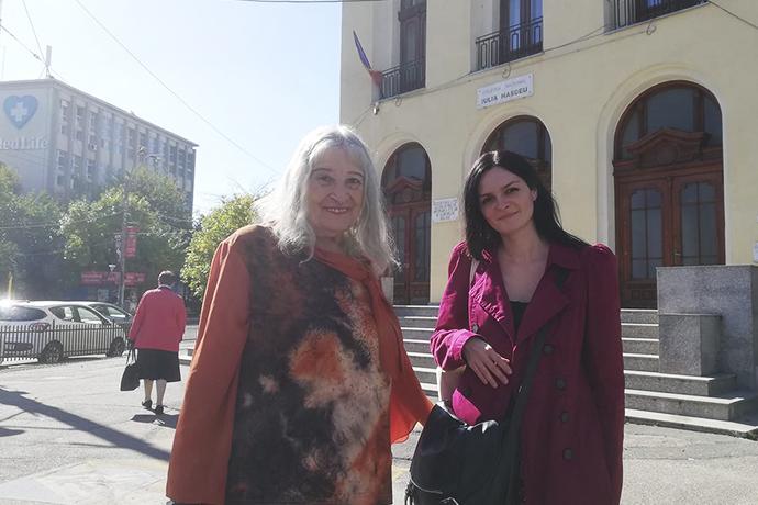 "Nora Iuga și Oana Cătălina Ninu la Colegiul Național ""Iulia Hasdeu"""